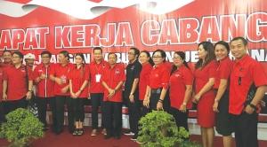 "Kadek-""Lolak""-Arimbawa-saat-menghadiri-pembukaan-Rakercab-I-DPC-PDIP"